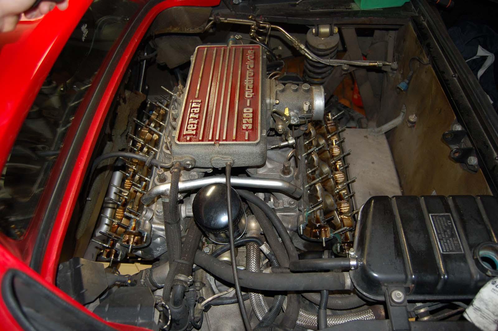 Ferrari 328-Motor offen